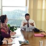 Marivaldo Pereira, Secretário de Assuntos Legislativos, recebe pesquisadoras do Projeto Pensando o Direito